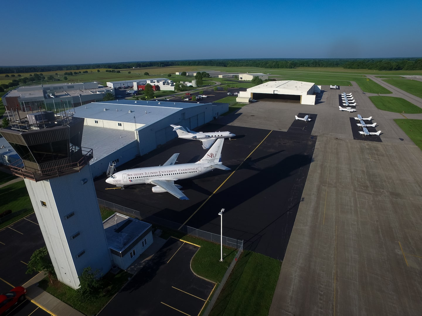 SIA Southern Illinois Airport Fullservice Facility Aviation - Airports in illinois